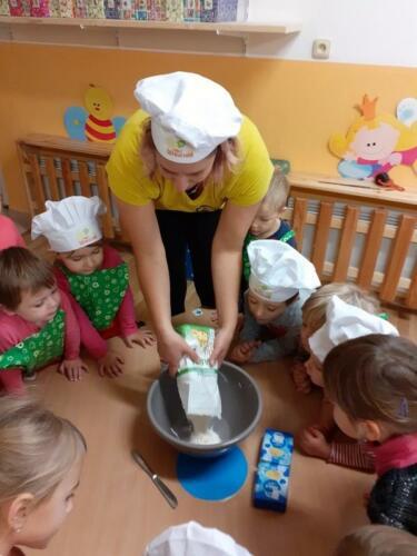 pečeme svatomartinské rohlíčky (3)
